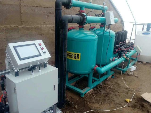 智能水肥一体化设备,跟传统灌溉和施肥有什么区别?